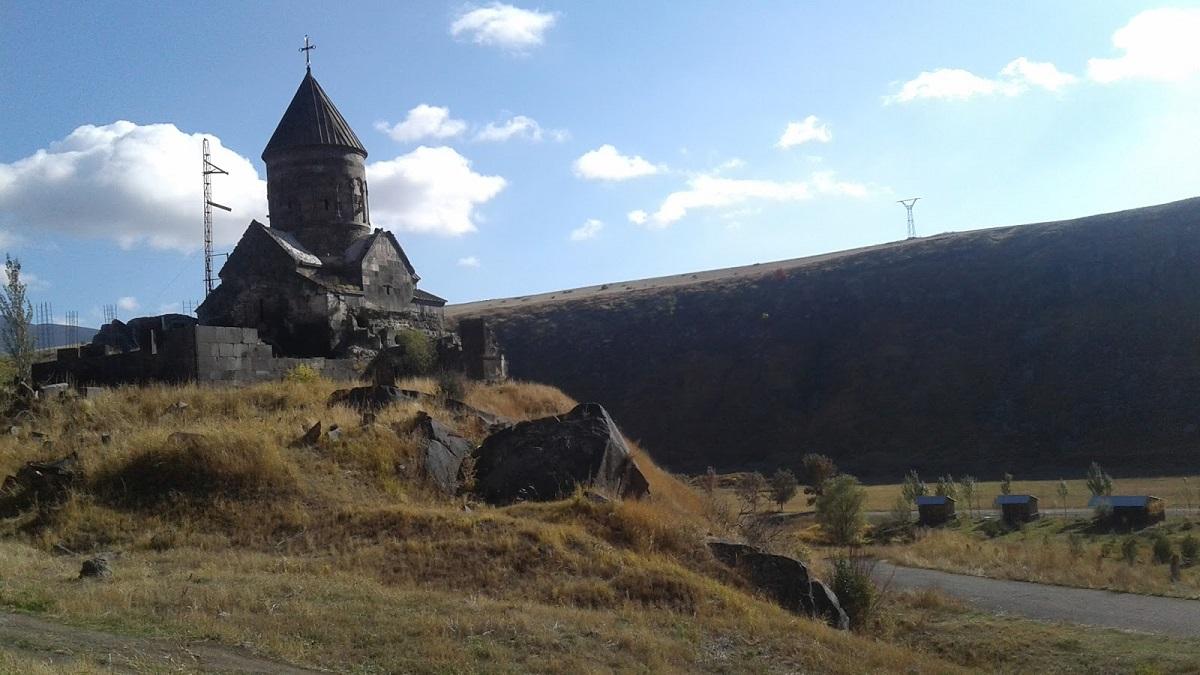 Храм называется Аствацнкал