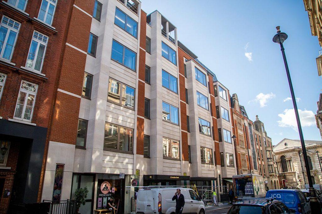 Շենքերի փողոց, որոնք գնել է Ալիևների ընտանիքը Լոնդոնի Մեդոքս-սթրիթում։ Credit: Will Jordan / OCCRP